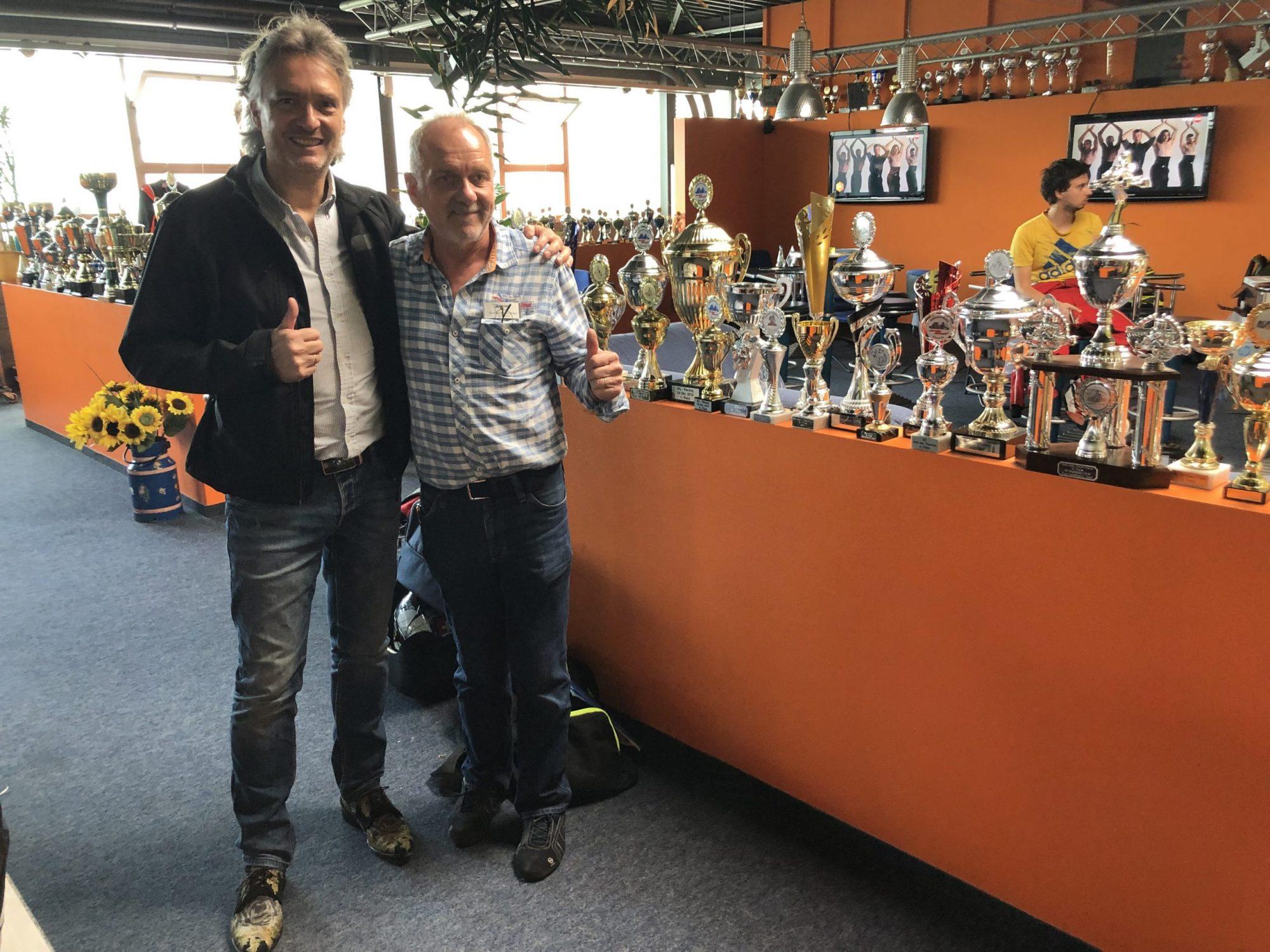 Foto von Pokalen für die Kartbundesliga